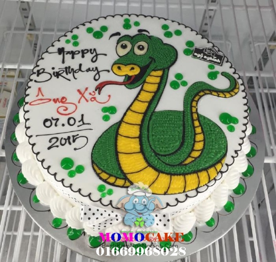 Bánh sinh nhật hình con rắn